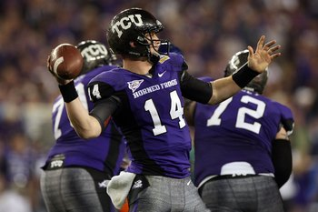 GLENDALE, AZ - JANUARY 04:  Quarterback Andy Dalton #14 of the TCU Horned Frogs passes the ball against the Boise State Broncos during the Tostitos Fiesta Bowl at the Universtity of Phoenix Stadium on January 4, 2010 in Glendale, Arizona.  (Photo by Jed J