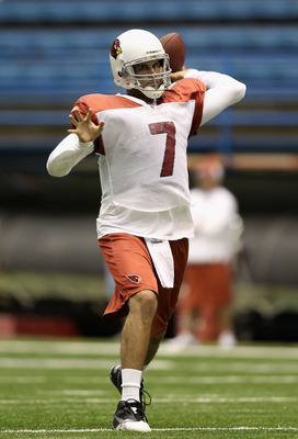 FLAGSTAFF, AZ - AUGUST 01:  Quarterback Matt Leinart #7 of the Arizona Cardinals practices in the team training camp at Northern Arizona University Walkup Skydome on August 1, 2010 in Flagstaff, Arizona.  (Photo by Christian Petersen/Getty Images)