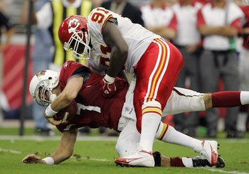 GLENDALE, AZ - OCTOBER 8:  Defensive end Tamba Hali #91 of the Kansas City Chiefs sacks quarterback Matt Leinart #7 of the Arizona Cardinals during a game at University of Phoenix Stadium on October 8, 2006 in Glendale, Arizona.  The Chiefs won 23-20.  (P