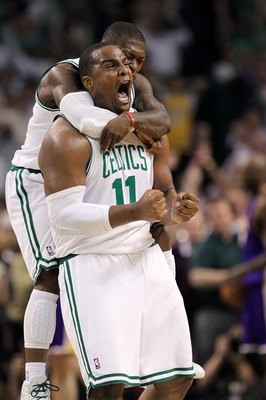 BOSTON - JUNE 10:  Glen Davis #11 and Nate Robinson #4 of the Boston Celtics react in the fourth quarter against the Los Angeles Lakers during Game Four of the 2010 NBA Finals on June 10, 2010 at TD Garden in Boston, Massachusetts. NOTE TO USER: User expr