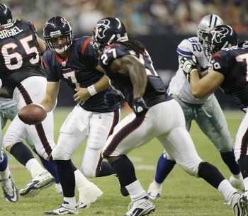 HOUSTON - AUGUST 28: Quarterback Dan Orlovsky #7 of the Houston Texans hands off to running back Chris Henry #17 during a football game agains the Dallas Cowoys at Reliant Stadium on August 28, 2010 in Houston, Texas. (Photo by Bob Levey/Getty Images)