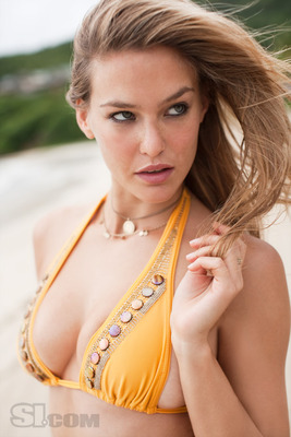 09_bar-refaeli_04_display_image