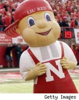 Lil-red-nebraska-mascot_display_image