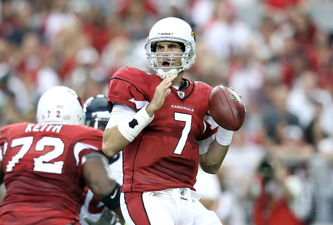 GLENDALE, AZ - AUGUST 14:  Quarterback Matt Leinart #7 of the Arizona Cardinals drops back to pass during preseason NFL game against the Houston Texans at the University of Phoenix Stadium on August 14, 2010 in Glendale, Arizona.  The Cardinals defeated t