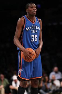 LOS ANGELES, CA - APRIL 27:  Kevin Durant #35 of the Oklahoma City Thunder with the ball while taking on the Los Angeles Lakers during Game Five of the Western Conference Quarterfinals of the 2010 NBA Playoffs at Staples Center on April 27, 2010 in Los An