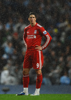 MANCHESTER, ENGLAND - AUGUST 23: Fernando Torres of Liverpool shows his frustration during the Barclays Premier League match between Manchester City and Liverpool at City of Manchester Stadium on August 23, 2010 in Manchester, England.  (Photo by Laurence
