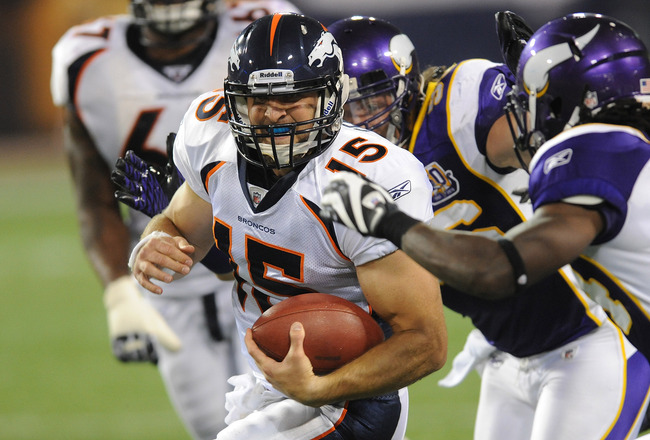 MINNEAPOLIS - SEPTEMBER 02:  Tim Tebow #15 of the Denver Broncos carries the ball during an NFL preseason game against the Minnesota Vikings at the Mall of America Field at Hubert H. Humphrey Metrodome, on September 2, 2010 in Minneapolis, Minnesota.  (Ph