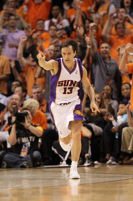 PHOENIX - MAY 23:  Steve Nash #13 of the Phoenix Suns reacts to a play in the fourth quarter of Game Three of the Western Conference Finals against the Los Angeles Lakers during the 2010 NBA Playoffs at US Airways Center on May 23, 2010 in Phoenix, Arizon