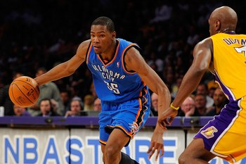 Kevin Durant, the NBA's youngest scoring champ.