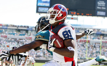 JACKSONVILLE, FL - SEPTEMBER 14:  Wide receiver James Hardy #81 of the Buffalo Bills comes down with a touchdown catch late in the fourth quarter over Rashean Mathis #27 of the Jacksonville Jaguars at Jacksonville Municipal Stadium on September 14, 2008 i