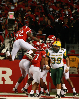 NEW BRUNSWICK, NJ - SEPTEMBER 02:  The Rutgers Scarlet Knights celebrate after successfully scoring a touchdown off of a blocked punt from the Norfolk State Spartans at Rutgers Stadium on September 2, 2010 in New Brunswick, New Jersey.  (Photo by Andrew B