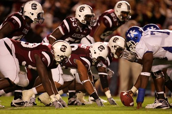 COLUMBIA, SC - OCTOBER 4:  The defense of the South Carolina Gamecocks lines up against the Kentucky Wildcats during their game at Williams-Brice Stadium October 4, 2007 in Columbia, South Carolina.  (Photo by Streeter Lecka/Getty Images)