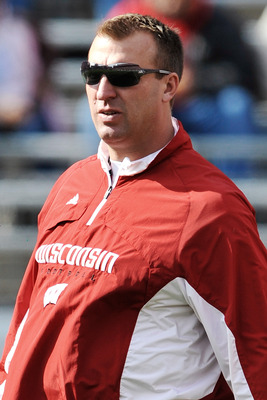 COLUMBUS, OH - OCTOBER 10:  Head coach Bret Bielema the Wisconsin Badgers watches his team warm up before a game against the Ohio State Buckeyes at Ohio Stadium on October 10, 2009 in Columbus, Ohio.  (Photo by Jamie Sabau/Getty Images)