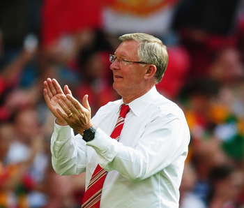 LONDON, ENGLAND - AUGUST 08:  Manchester United manager Sir Alex Ferguson applauds the fans after victory in the FA Community Shield match between Chelsea and Manchester United at Wembley Stadium on August 8, 2010 in London, England.  (Photo by Laurence G