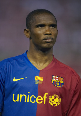 VALENCIA, SPAIN - MAY 13:  Samuel Eto'o of Barcelona looks on before the Copa del Rey final match between Barcelona and Athletic Bilbao at the Mestalla stadium on May 13, 2009 in Valencia, Spain. Barcelona won 4-1.  (Photo by Manuel Queimadelos Alonso/Get