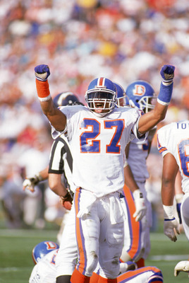 Steve Atwater was a safety who was know for his hard hitting which helped to define the '89 defense.