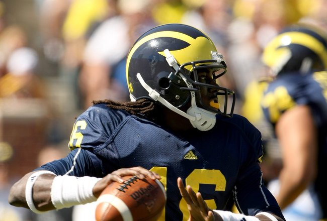 ANN ARBOR, MI - SEPTEMBER 19:  Quarterback Denard Robinson #16 of the Michigan Wolverines throws a pass against the Eastern Michigan Eagles at Michigan Stadium on September 19, 2009 in Ann Arbor, Michigan.  Michigan won 45-17.  (Photo by Stephen Dunn/Gett
