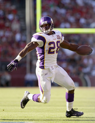 SAN FRANCISCO - AUGUST 22:  Adrian Peterson #28 of the Minnesota Vikings runs with the ball during their preseason game against the San Francisco 49ers at Candlestick Park on August 22, 2010 in San Francisco, California.  (Photo by Ezra Shaw/Getty Images)