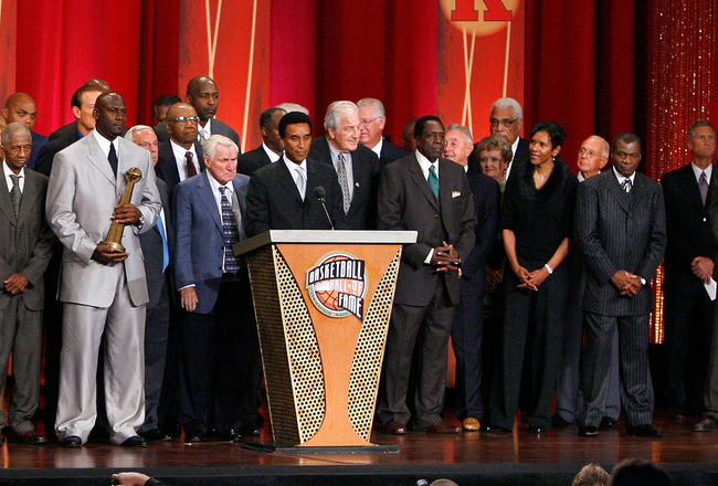 SPRINGFIELD, MA - SEPTEMBER 11: Michael Jordan stands with other members of the Naismith Memorial Basketball Hall of Fame on September 11, 2009 in Springfield, Massachusetts. NOTE TO USER: User expressly acknowledges and agrees that, by downloading and or