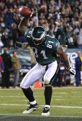 PHILADELPHIA - DECEMBER 27 : Jason Avant #81 of the Philadelphia Eagles celebrates after scoring a touchdown in the third quarter against the Denver Broncos at Lincoln Financial Field on December 27, 2009 in Philadelphia, Pennsylvania. (Photo by Jim McIsa