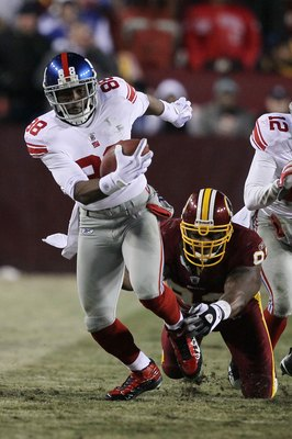 LANDOVER, MD - DECEMBER 21:  Hakeem Nicks #88 of the New York Giants in action against the Washington Redskins during their game on December 21, 2009 at Fedex Field in Landover, Maryland.  (Photo by Al Bello/Getty Images)