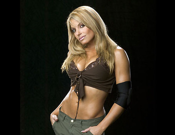 Trish-stratus-20080725115856474_display_image