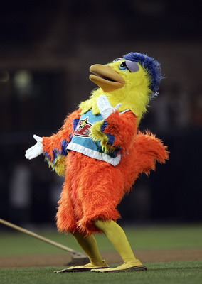 SAN DIEGO - SEPTEMBER 01: The San Diego Chicken cheers during the game between the Cincinnati Reds and the San Diego Padres during their MLB Game at Petco Park on September 1, 2006 in San Diego, California.  (Photo by Donald Miralle/Getty Images)