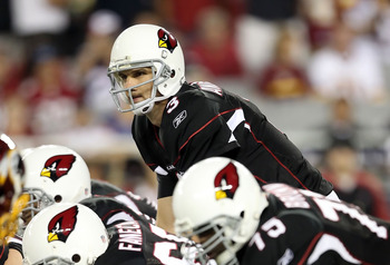 GLENDALE, AZ - SEPTEMBER 02:  Quarterback Derek Anderson #3 of the Arizona Cardinals prepares to snap the ball during the first quarter of the preseason NFL game against the Washington Redskins at the University of Phoenix Stadium on September 2, 2010 in