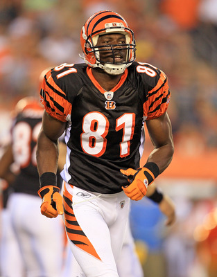 CINCINNATI - AUGUST 20:  Terrell Owens #81 of the Cincinnati Bengals runs during a play during the NFL preseason game against the Philadelphia Eagles at Paul Brown Stadium on August 20, 2010 in Cincinnati, Ohio.  (Photo by Andy Lyons/Getty Images)
