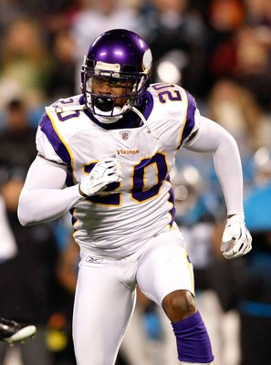 CHARLOTTE, NC - DECEMBER 20:  Madieu Williams #20 of the Minnesota Vikings against the Carolina Panthers at Bank of America Stadium on December 20, 2009 in Charlotte, North Carolina.  (Photo by Kevin C. Cox/Getty Images)