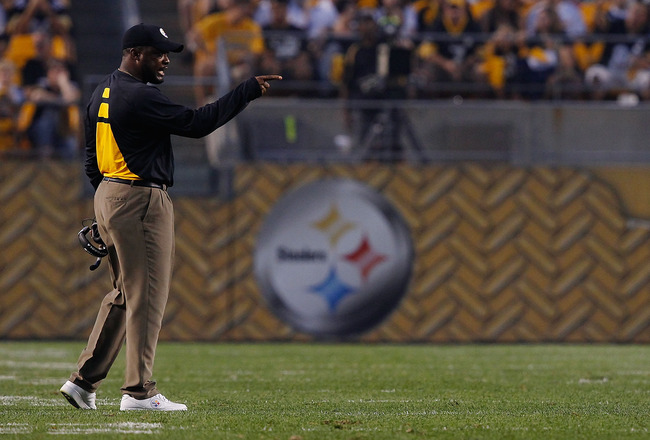 PITTSBURGH - SEPTEMBER 02:  Head coach Mike Tomlin of the Pittsburgh Steelers calls out orders to his offense during the preseason game against the Carolina Panthers on September 2, 2010 at Heinz Field in Pittsburgh, Pennsylvania.  (Photo by Jared Wickerh