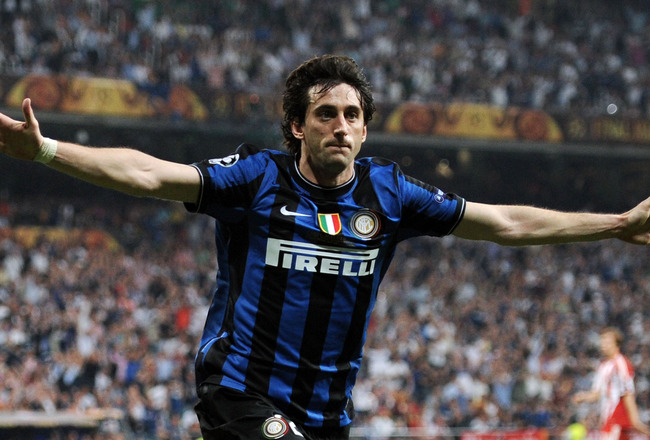 MADRID, SPAIN - MAY 22:  Diego Milito of Inter Milan celebrates after scoring the second goal during the UEFA Champions League Final match between FC Bayern Muenchen and Inter Milan at the Estadio Santiago Bernabeu on May 22, 2010 in Madrid, Spain.  (Phot