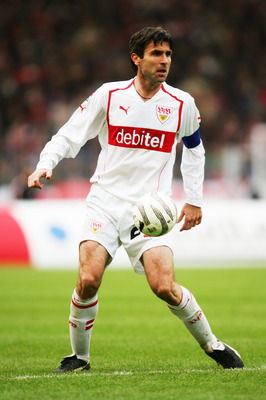 STUTTGART, GERMANY - APRIL 13:  Zvonimir Soldo of Stuttgart in action during the Bundesliga Match between Vfb Stuttgart and FC Schalke 04, at The Gottlieb Daimler Stadium on April 9, 2005 in Stuttgart, Germany.  (Photo by Stuart Franklin/Getty Images)