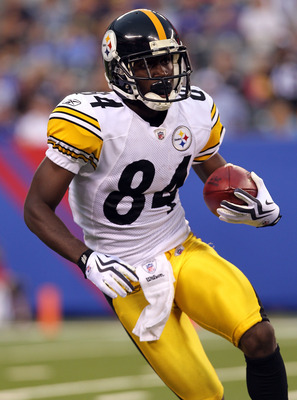 EAST RUTHERFORD, NJ - AUGUST 21: Antonio Brown #84 of the Pittsburgh Steelers returns a kick off against the New York Giants during their preseason game at New Meadowlands Stadium on August 21, 2010 in East Rutherford, New Jersey.  (Photo by Nick Laham/Ge