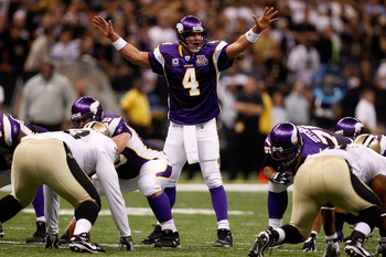 NEW ORLEANS - SEPTEMBER 09:  Brett Favre #4 of the Minnesota Vikings calls plays out at the line of scrimmage against the New Orleans Saints at Louisiana Superdome on September 9, 2010 in New Orleans, Louisiana.  (Photo by Chris Graythen/Getty Images)