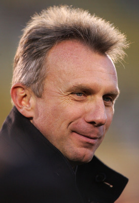 PALO ALTO, CA - NOVEMBER 26:  Former Notre Dame player and NFL star, Joe Montana, looks on before the Notre Dame and Stanford college football game on November 26, 2005 at Stanford Stadium in Palo Alto, California.  (Photo by Jed Jacobsohn/Getty Images)