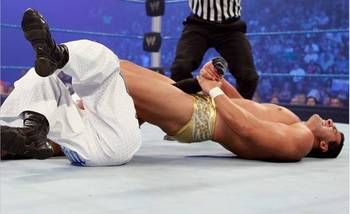 Alberto-del-rio-defeated-rey-mysterio1_display_image