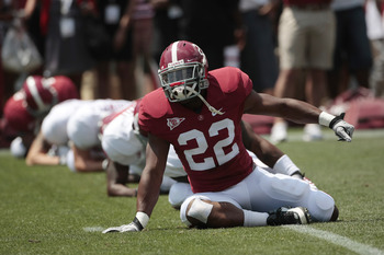 TUSCALOOSA, AL - APRIL 17: Heisman Trophy winner Mark Ingram #22 warms up prior to the start of the Alabama spring game at Bryant Denny Stadium on April 17, 2010 in Tuscaloosa, Alabama. (Photo by Dave Martin/Getty Images)