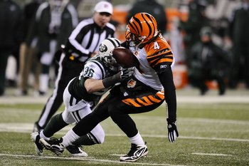Former Badgers Saftey Jim Leonhard Doing What He Does Best: Hitting People Who Have The Ball. This Time, His Victim Was J.T O'Sullivan