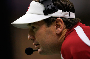 """""All I want for my 50th birthday is to pants my little brother"" Bob Stoops"