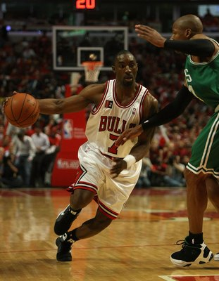 CHICAGO - APRIL 30: Ben Gordon #7 of the Chicago Bulls drives against Ray Allen #20 of the Boston Celtics in Game Six of the Eastern Conference Quarterfinals during the 2009 NBA Playoffs at the United Center on April 30, 2009 in Chicago, Illinois. The Bul