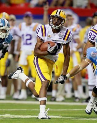ATLANTA - SEPTEMBER 04:  Russell Shepard #10 of the LSU Tigers against of the North Carolina Tar Heels during the Chick-fil-A Kickoff Game at Georgia Dome on September 4, 2010 in Atlanta, Georgia.  (Photo by Kevin C. Cox/Getty Images)