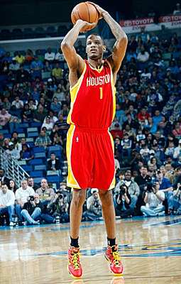 Trevorarizajumper_display_image