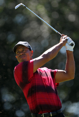 LEMONT, IL - SEPTEMBER 12:  Tiger Woods hits the ball from the sixth hole during the final round of the BMW Championship at Cog Hill Golf & Country Club on September 12, 2010 in Lemont, Illinois.  (Photo by Jamie Squire/Getty Images)