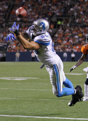 DENVER - AUGUST 21:  Tight end Tony Scheffler #85 of the Detroit Lions lets the ball slip through his hands and fails to make a reception in the endzone against the Denver Broncos during preseason NFL action at INVESCO Field at Mile High on August 21, 201