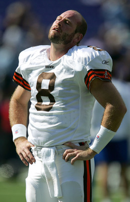 BALTIMORE - OCTOBER 16:  Quarterback Trent Dilfer #8 of the Cleveland Browns stretches prior to the game against the Baltimore Ravens October 16, 2005 at M&T Bank Stadium in Baltimore, Maryland.  (Photo by Jamie Squire/Getty Images)