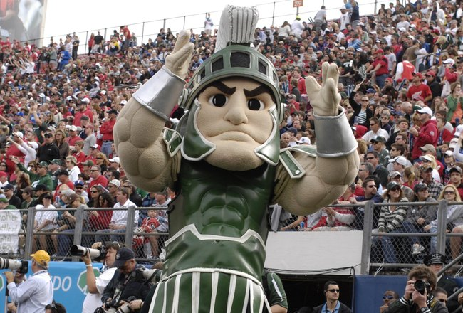 ORLANDO, FL - JANUARY 1: Sparty, the mascot of the Michigan State Spartans cheers play against the Georgia Bulldogs at the 2009 Capital One Bowl at the Citrus Bowl on January 1, 2009 in Orlando, Florida.  (Photo by Al Messerschmidt/Getty Images)