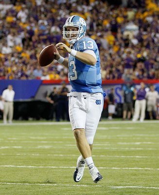 ATLANTA - SEPTEMBER 04:  Quarterback T.J. Yates #13 of the North Carolina Tar Heels against the LSU Tigers during the Chick-fil-A Kickoff Game at Georgia Dome on September 4, 2010 in Atlanta, Georgia.  (Photo by Kevin C. Cox/Getty Images)