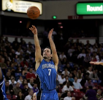 SACRAMENTO, CA - JANUARY 12:  J.J. Redick #7 of the Orlando Magic in action during their game against the Sacramento Kings at ARCO Arena on January 12, 2010 in Sacramento, California.  NOTE TO USER: User expressly acknowledges and agrees that, by download