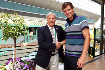 Kodes, with the tallr, younger Tomas Berdych